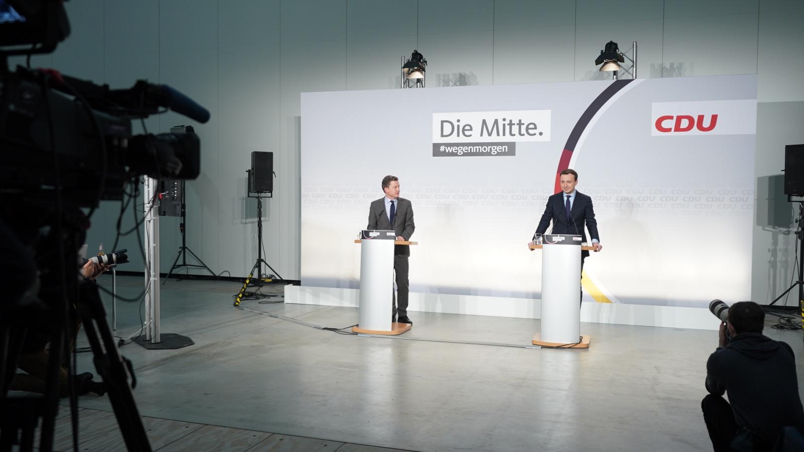 CDU-Generalsekretär Paul Ziemiak während der Pressekonferenz zum Auftakt des 33. Parteitags der CDU Deutschlands