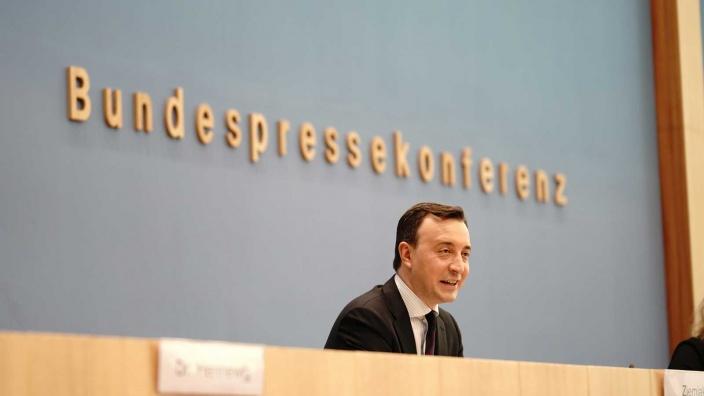 Generalsekretär  Paul Ziemiak